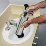 Чистка сливов раковин и канализации