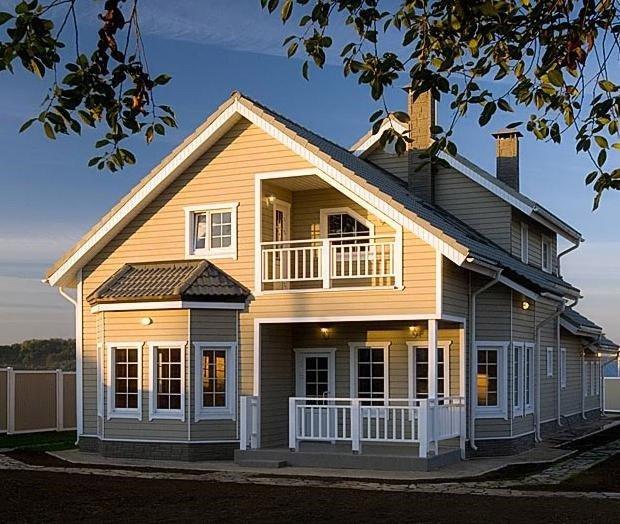 Каркасный дом может выглядеть красиво и солидно