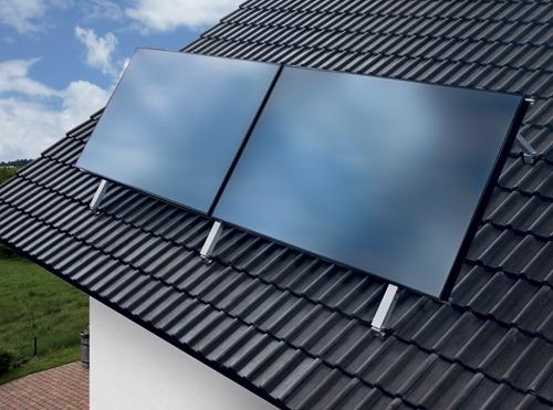 Солнечный коллектор Vaillant auroStep plus на крыше дома