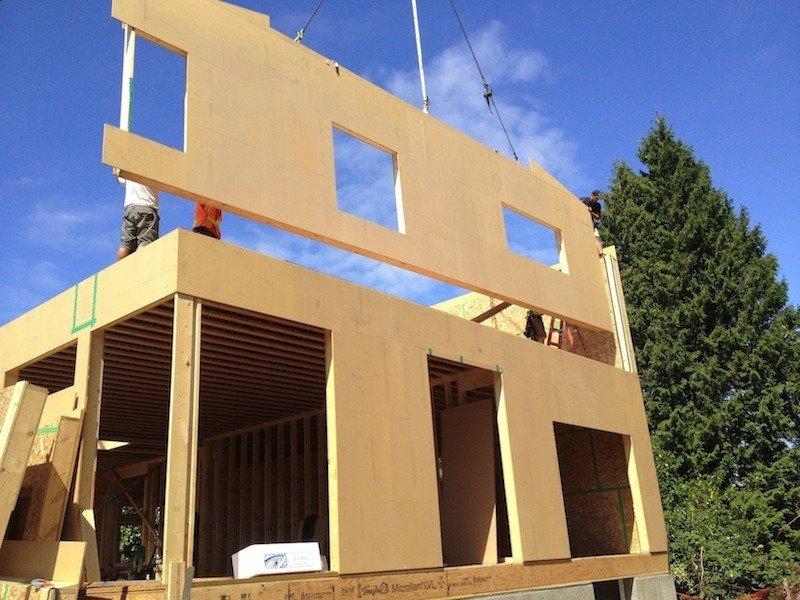 Строителство каркасного дома из готовых панелей