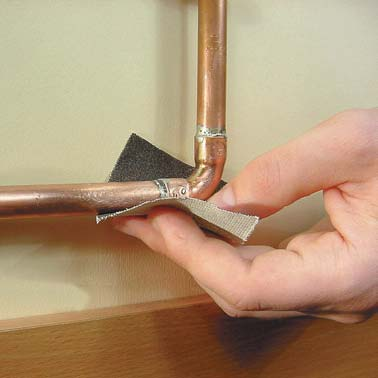 Холодная сварка - устранение протечки труб