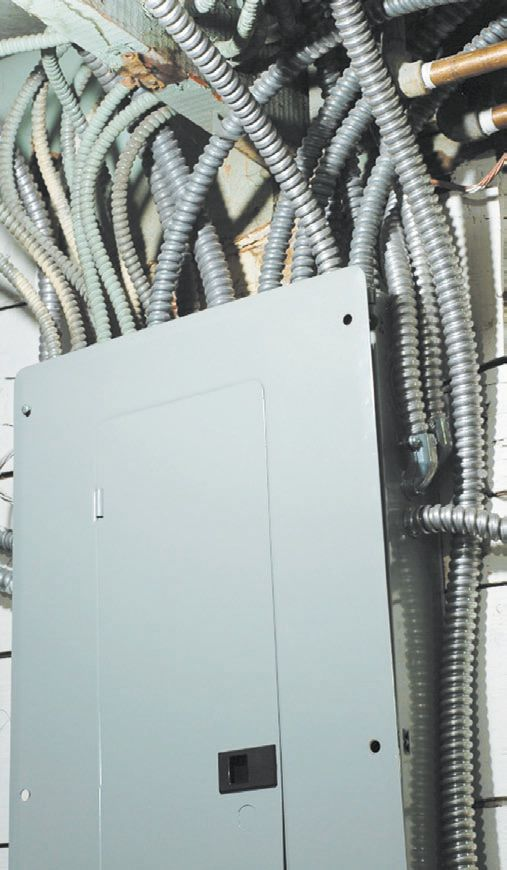 Проведение электропроводки при помощи металлорукава в технических помещениях