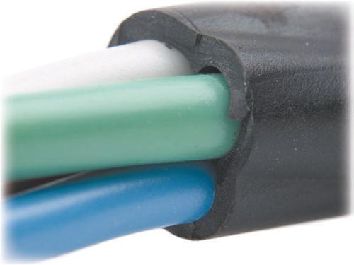 В кабеле обычно изолируется ТПЖ, которая помещается в оболочку