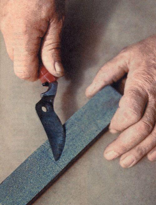 Заточка садового инструмента своими руками