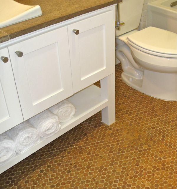 Пробковый пол в ванной комнате