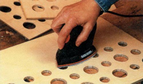 Шлифование древесины круглошлифовальной машинкой