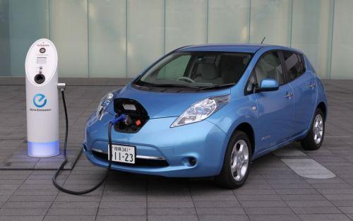 Электромобиль Nissan Leaf уже можно заказать в Европе. Запас хода без подзарядки – 160 км. Емкость Li-Ion аккумуляторов - 24 кВт*ч
