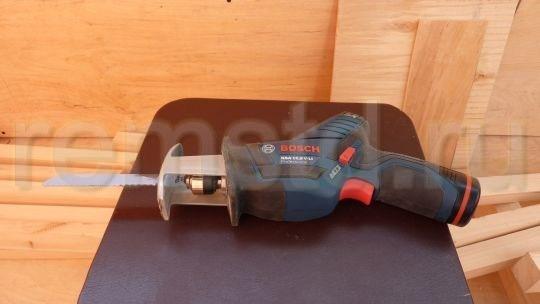 Аккумуляторная сабельная пила Bosch