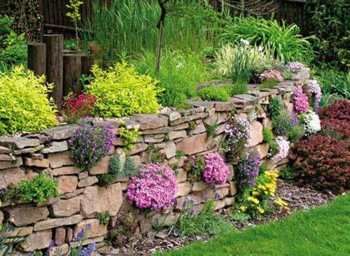 Укрепление склонов камнями. Декоративные и подпорные стенки