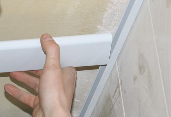 Как сделать углы в ванной из пластиковых  904