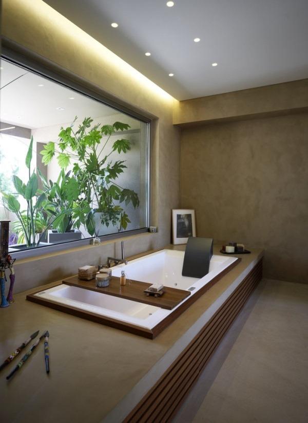 Дизайн и интерьер ванных комнат с видом на природу