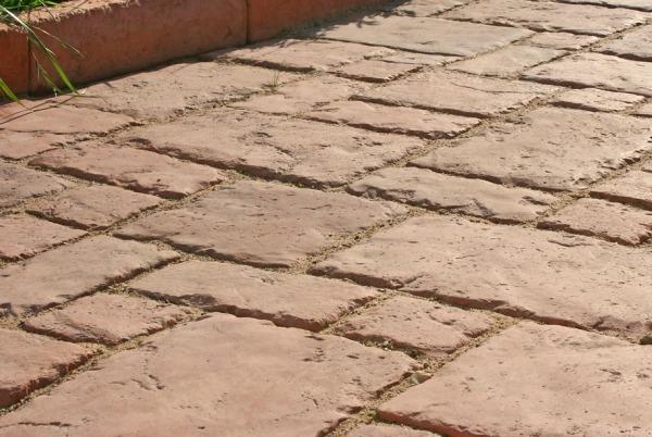 Мощение искусственным камнем из бетона
