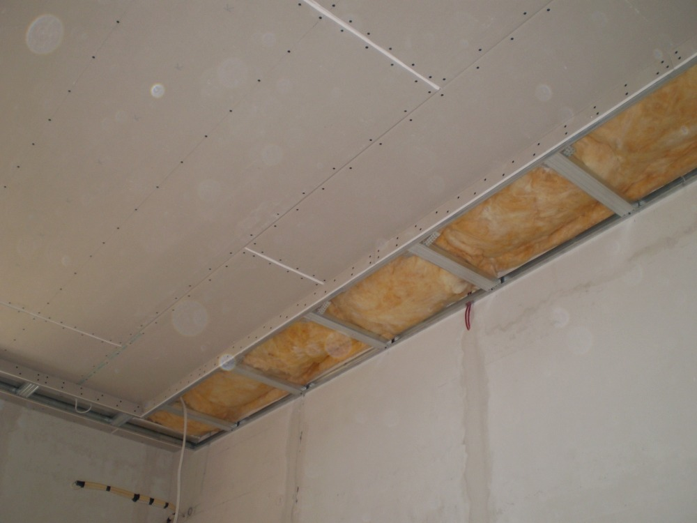 Потолок из гипсокартона ремонт своими руками 336