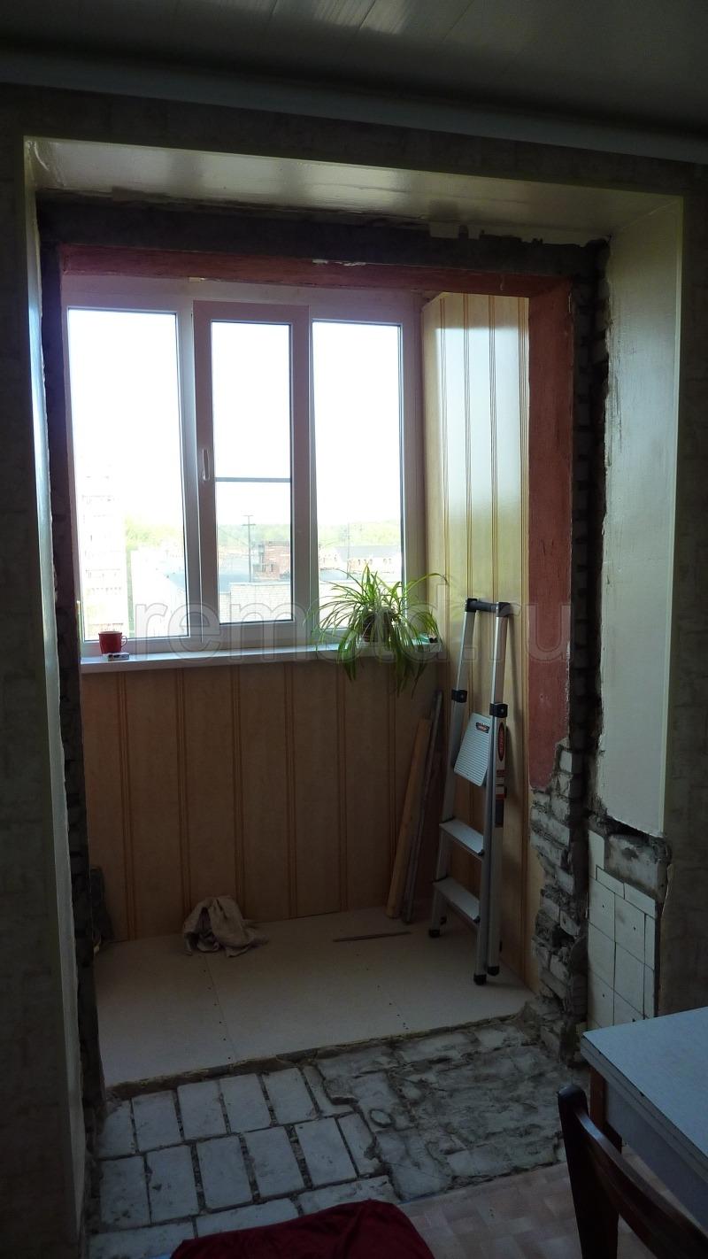 Демонтаж балконной двери..