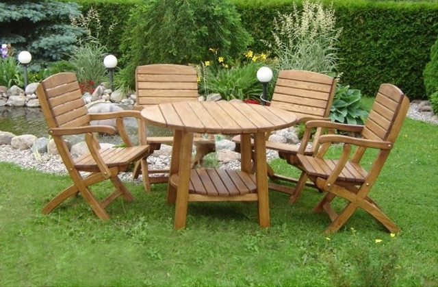 Деревянная садовая мебель для дачи