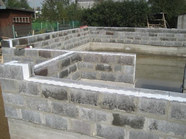 Строительство дома из вибропрессованных теплоблоков