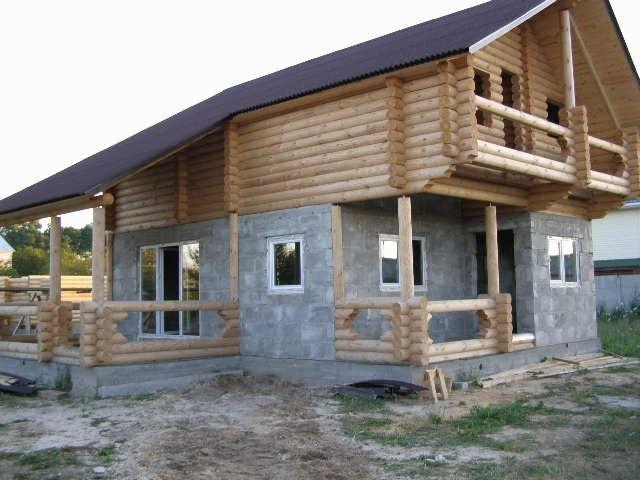 Строительство дома комбинированного из пеноблока и бревна