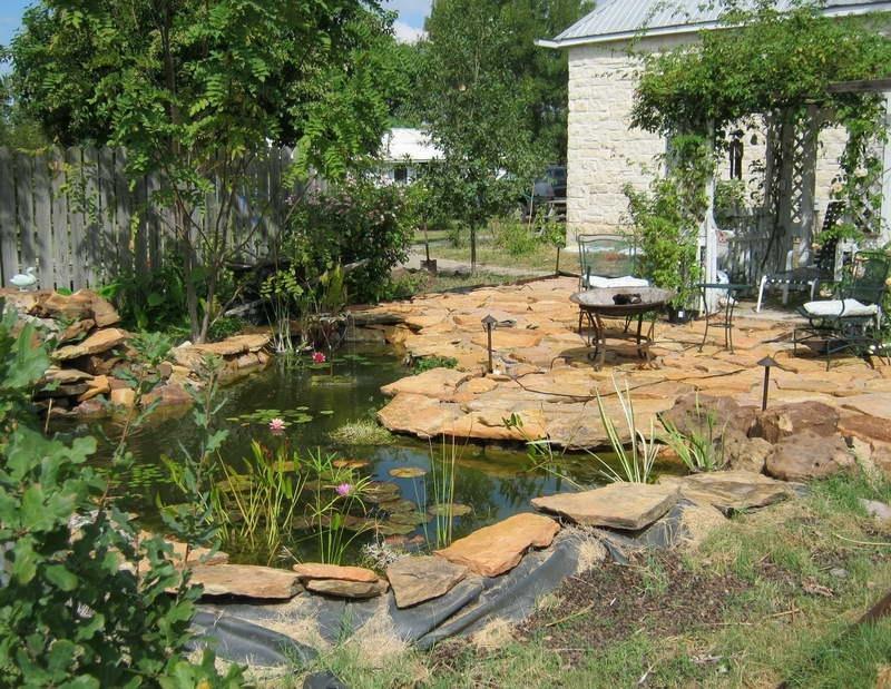 Искусственный пруд на своем участке