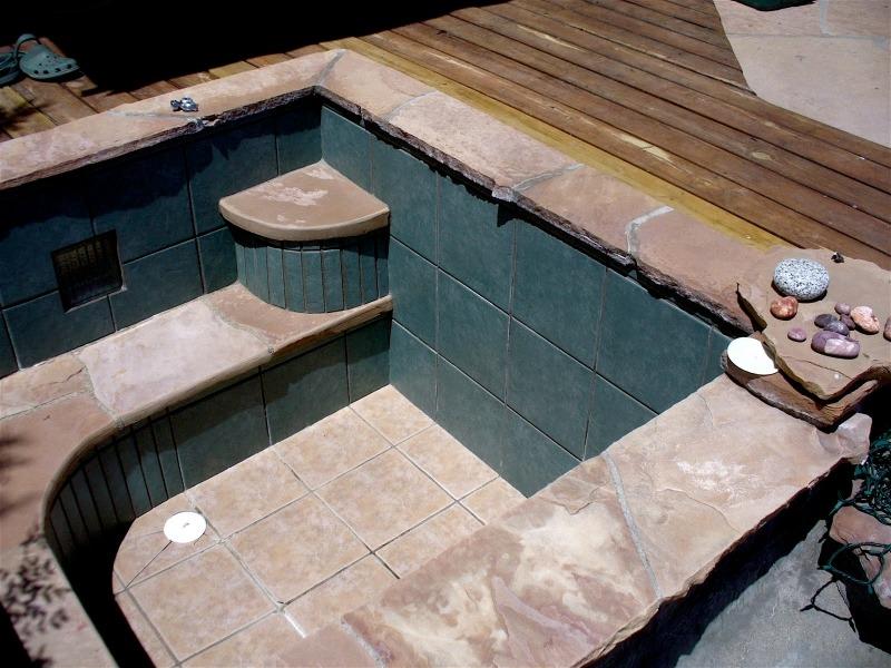 Стационарный бассейн из бетона