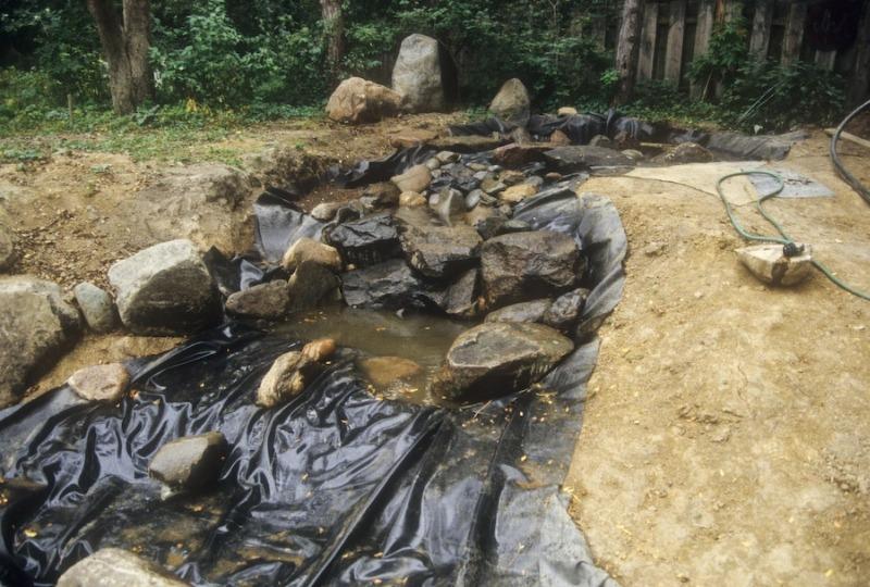 Строительство пленочного пруда