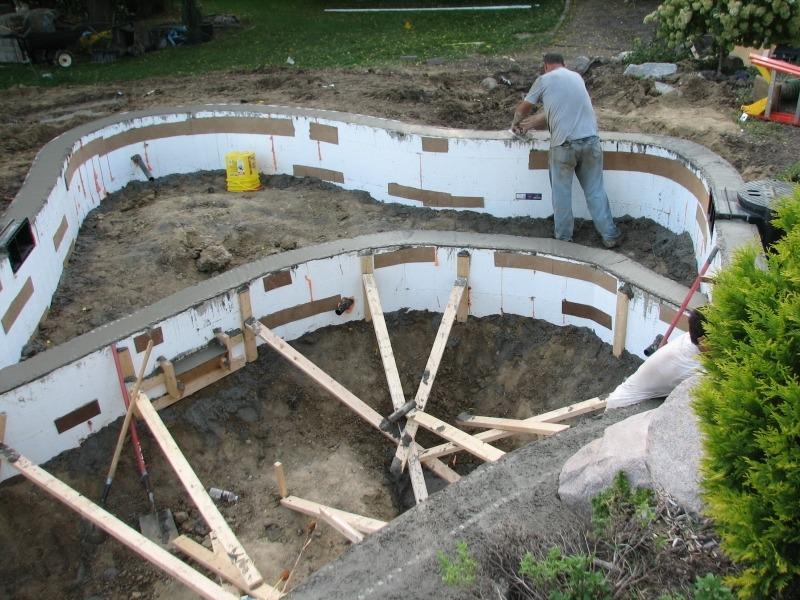 Строительство пруда из бетона