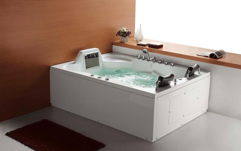 Современная гидромассажная ванна Luxor от Divapor