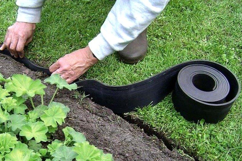 Резиновая бордюрная лента для кромки газона