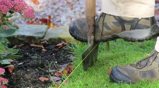Металлический садовый бордюр для кромки газона