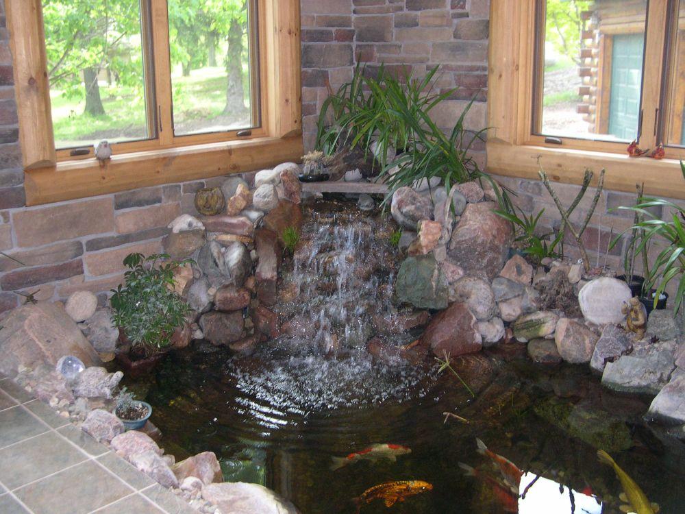 Декоративный пруд  в доме