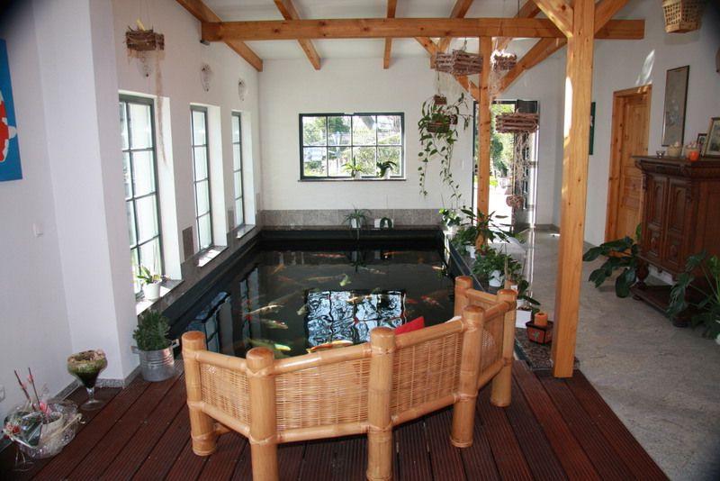 Декоративный пруд в частном доме