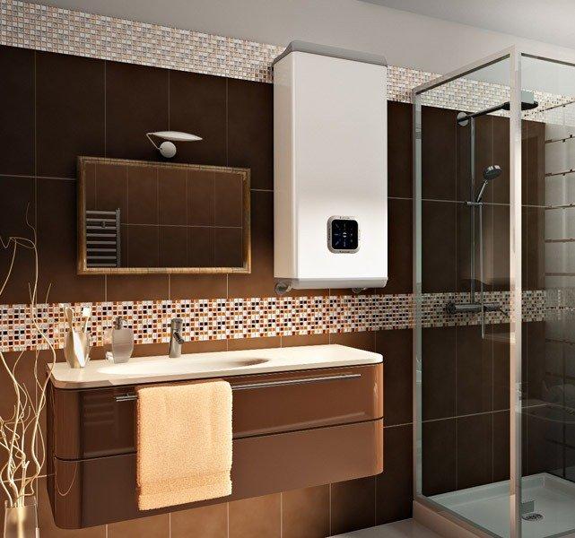 Водонагреватель Ariston Velis в интерьере ванной комнаты