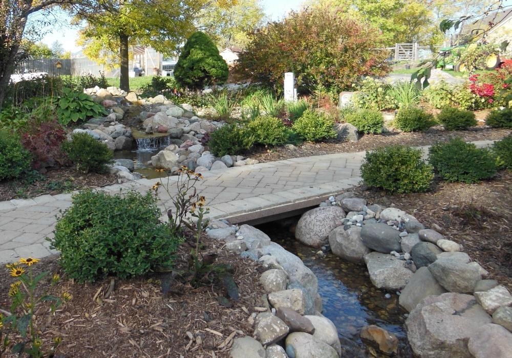 Каскады или имитация ручьев в ландшафтном дизайне