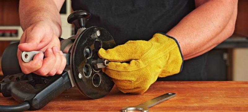 Как вынуть из фрезера застрявшую фрезу