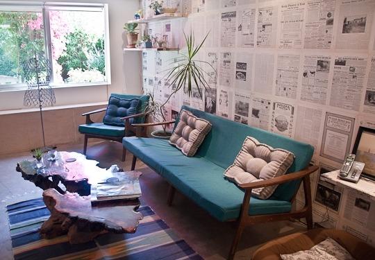 Газеты в декорировании интерьера