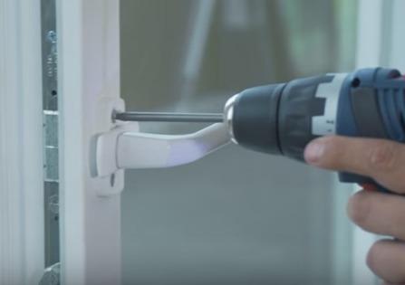 Ремонт механизма ручки пластикового окна