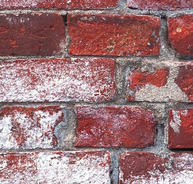 Типичные повреждения фасада дома и способы ремонта