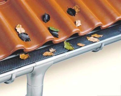 Чистка и ремонт водосточных желобов
