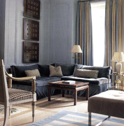 Занавески Эльдо Нетто сделаны из двух кусков шелковой тафты разной окраски.