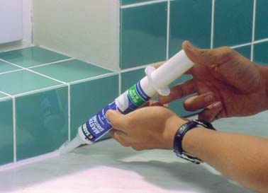 Как удалить герметик и нанести новый