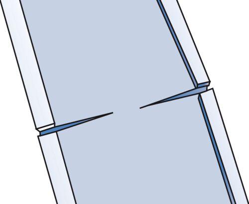 Монтаж крышки короба, шаг первый: в месте изгиба надрезаются полки крышки