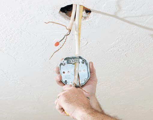 Монтаж коробки крепления под люстру в гипсокартонном потолке