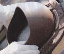 В стропильных пролётах устанавливают выходы вентиляции