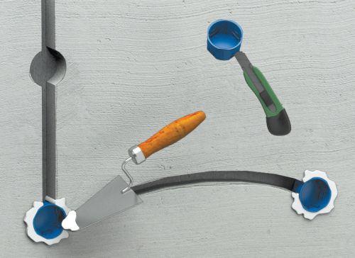 Шаг третий: в установочных коробках выламываются лючки, затем провода вставляются в отверстия и прихватываются гипсом или штукатуркой