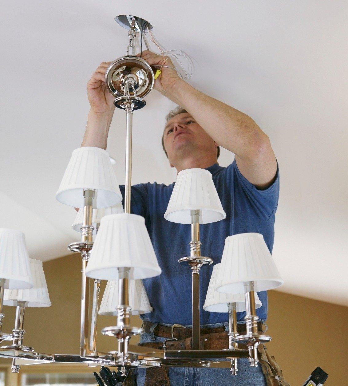 Монтаж освещения в квартире. Установка люстры