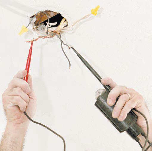 Проверка напряжения на питающих проводах светильника