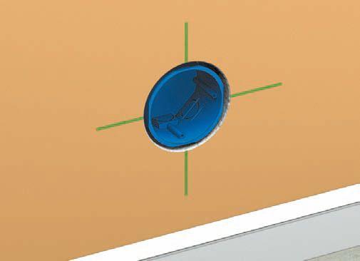 Установочная коробка примеряется к отверстию; глубина должна быть достаточной (1–1,5 см); штукатурка, которой будет крепиться коробка, выравнивает выемку со стеной