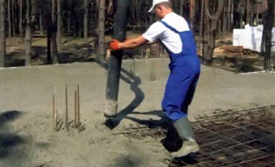 Использование бетононасоса позволит работать быстрее и качественнее