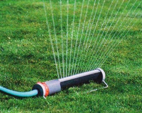 Маятниковая дождевальная установка в зависимости от модели может полить площадь до 400 м².