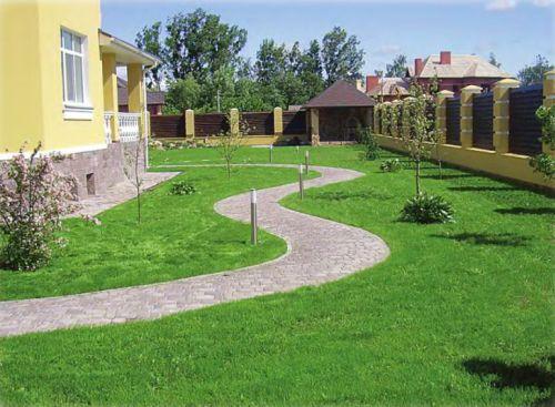 Обычно для создания стандартных садовых газонов применяют смеси трав с листвой 0,5-1 см шириной