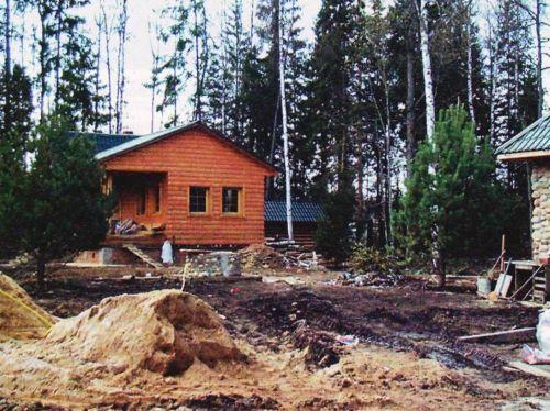 Так обычно выглядит садовый участок при строительстве дома